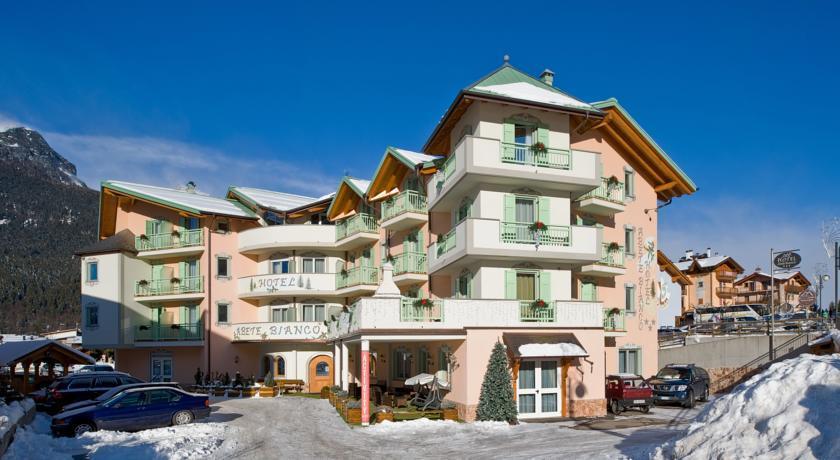 16-5251-Itálie-Andalo-Hotel-Abete-Bianco