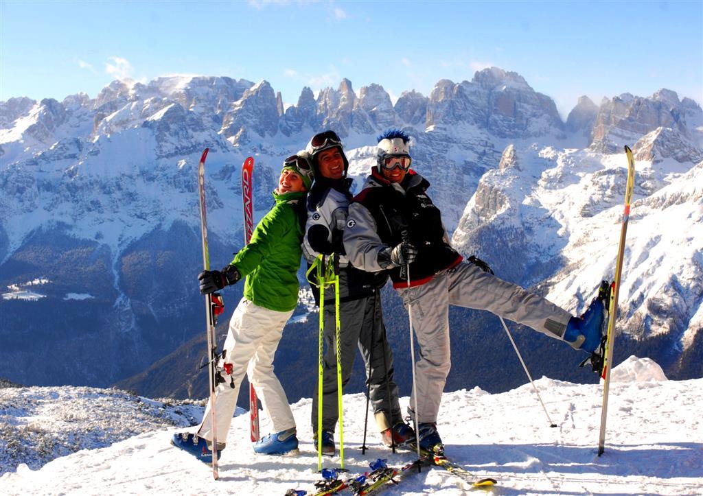 23-9156-Itálie-Paganella-Hotely-Paganella-různé-hotely-6denní-lyžařský-balíček-se-skipasem-a-dopravou-v-ceně