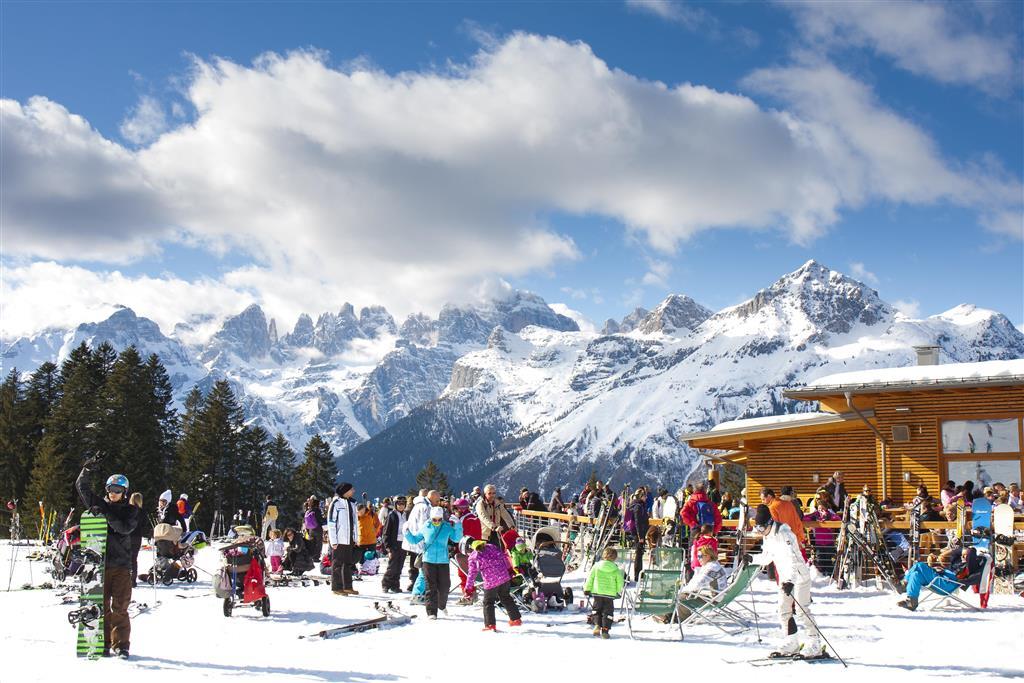 23-10453-Itálie-Paganella-5denní-lyžařský-balíček-Paganella-–-různé-hotely-s-lyžováním-pro-ženy-zdarma