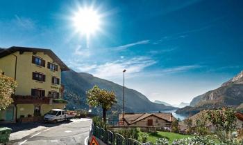Hotel Aurora – 6denní Lyžařský Balíček Se Skipasem A Dopravou V Ceně***