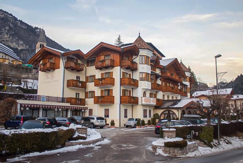 33-11938-Itálie-Molveno-Hotel-Du-Lac-Molveno-101968